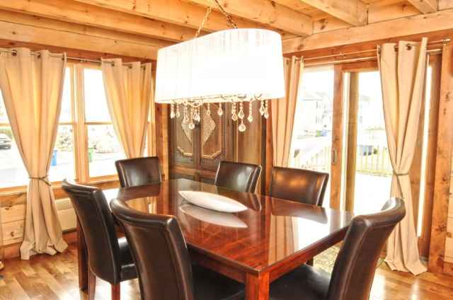 Modern log home dining room