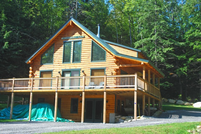 The Augusta Log Home From Driveway