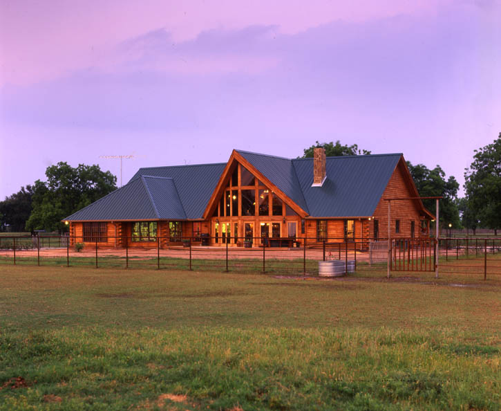Circle 9 ranch a real log home texas retreat real log style for Log ranch homes